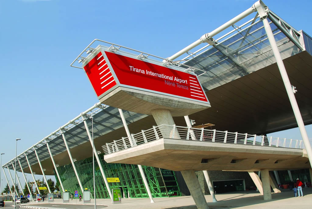 Aeropuerto Internacional de Tirana Madre Teresa